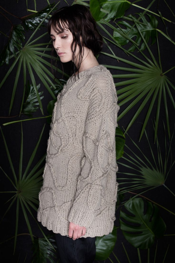 Anna Dudzińska, CONCRETE GREEN, aw2015, sweater SAYO. To download high or low resolution product images view Mondrianista.com (editorial use only).