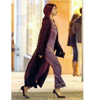 Celebrity Style | 海外セレブリティ最新スタイル情報 : 【セレーナ・ゴメス】ダークレッドの口紅にシルクのパジャマ×パンプスでふらっと買い物にお出かけ!