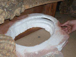 ESTANQUE El estanque en esta ocasión es un recipiente que ya está hecho y es de resina, podría ser una fiambrera o cualquier otra cosa, en ese caso iría totalmente forrado por fuera de corcho pa…