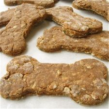 "Best of Breed Dog Biscuits by Elaine Aukstikalnis via kingarthurfflour: Elaine works in a veterinary office and regularly bakes these biscuits (which have been ""vetted by the vet"") to bring to work for ""the patients."" #Dog_Biscuits"