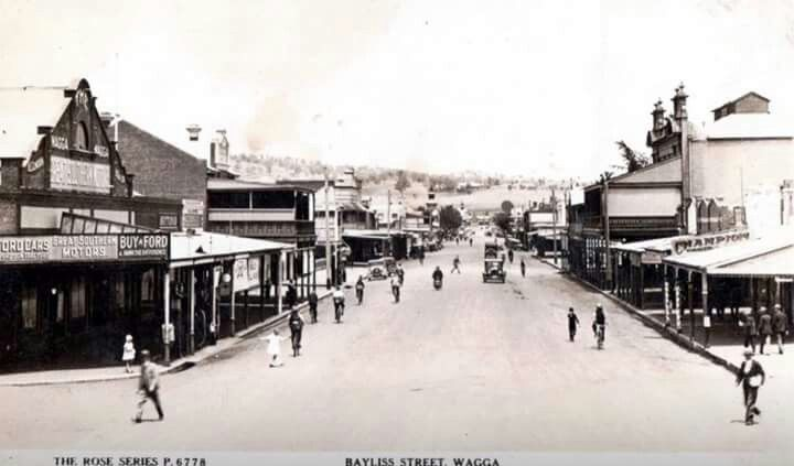 Wagga Wagga. Cnr. Morrow & Baylis Streets in Wagga Wagga i the Riverina region of NSW.Great Southern Motors Ford dealers on left.Circa 1930.