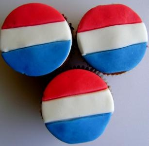 Dutch Flag Cupcakes