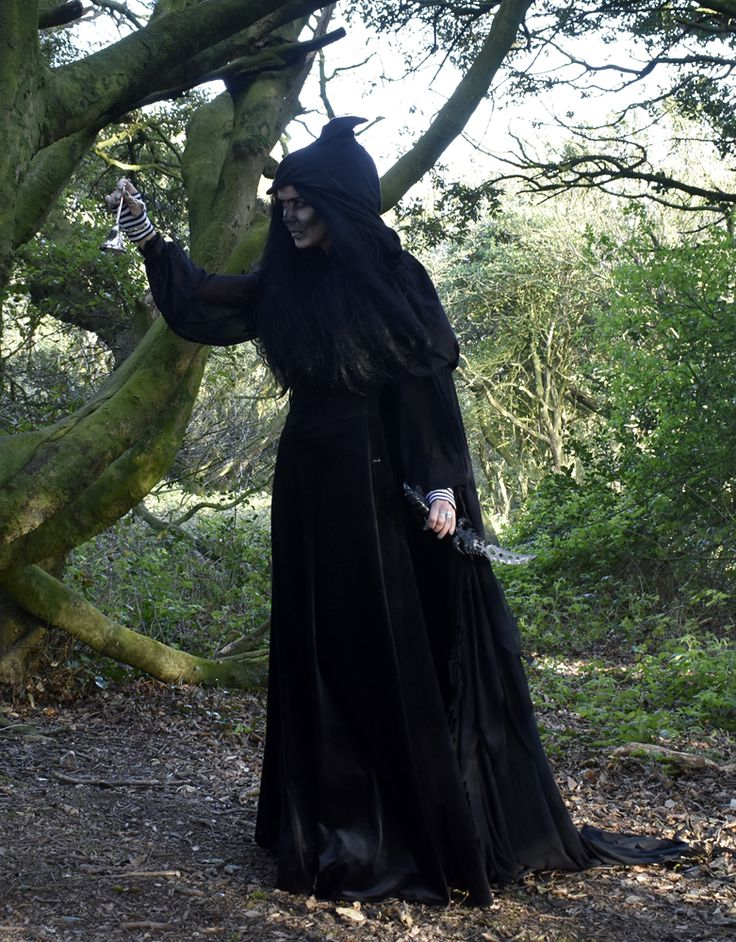 Bellmaiden Cloak - Witchy Spooky Bloodborne Cloak by Moonmaiden Gothic  Clothing UK