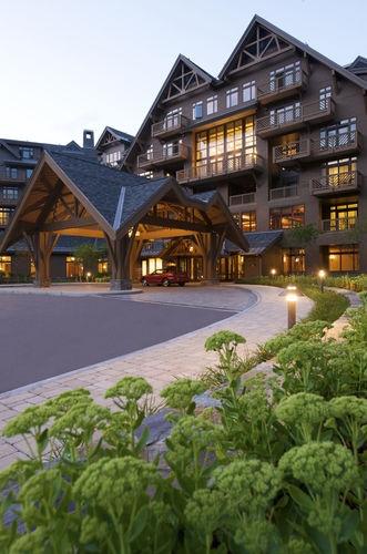 Stowe Mountain Lodge -      Rooms: 312     Floors: 5