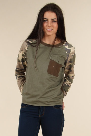 Stussy's+military+print+sweater+is+purposely+faded+to+give+it+a+well-worn+look.+But+you+can+pretend+it's+from+all+the+army+crawling+you've+been+doing+for+SAS+selection.+