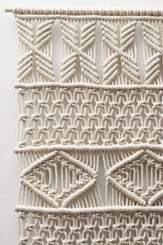 die besten 25 wandteppich modern ideen auf pinterest moderne teppiche f r wohnzimmer teppich. Black Bedroom Furniture Sets. Home Design Ideas