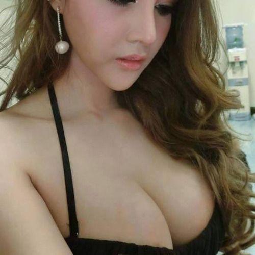 Sexy girl on skype