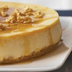 Photo de recette : Gâteau au fromage de la cabane à sucre à l'érable et aux noix de Grenoble