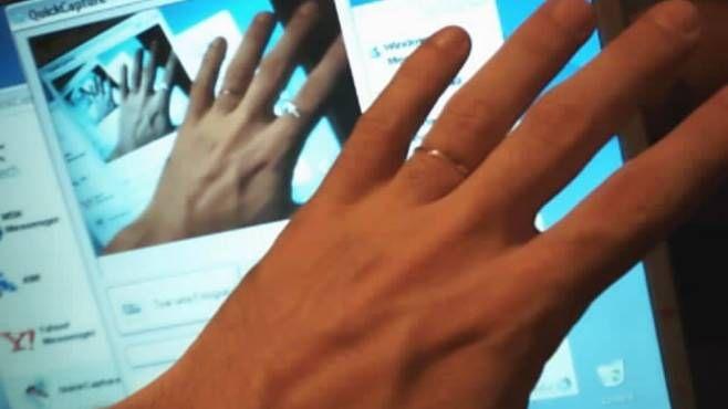 Video hard amatoriali tra minori: è reato condividerli con agli amici
