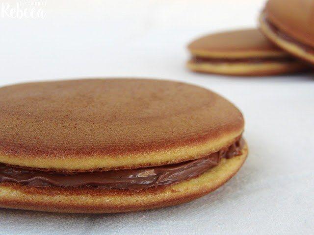 Ricos dorayakis japoneses con crema de chocolate, dulce de leche o anko
