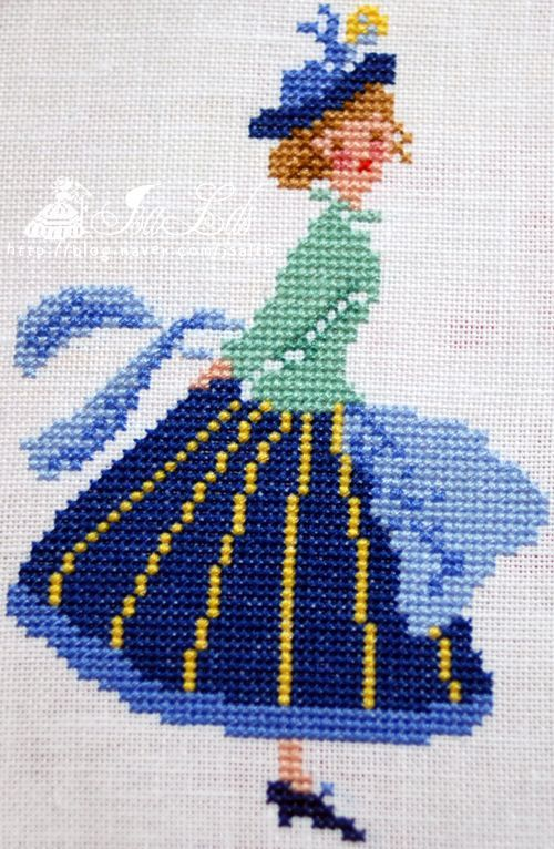 1 point de croix fille en jupe bleue - cross stitch lady in blue skirt