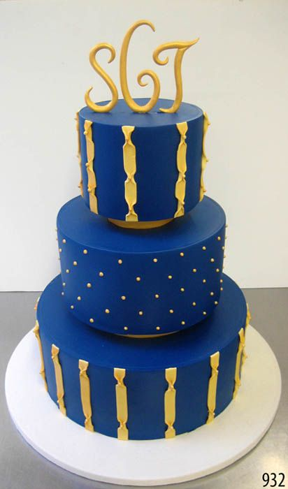 white gold and royal blue wedding cake 52 best images about navy cakes on gold cake 27292