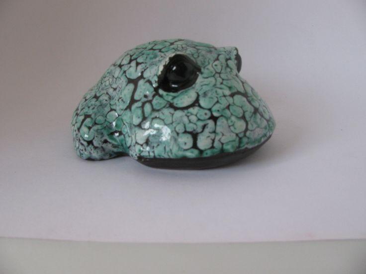Лягушка белая с зеленым: