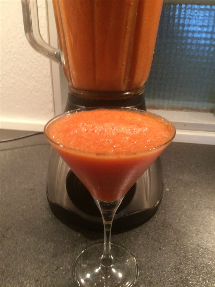 Smoothie #carrot #bellpeppers #mango  #papaya #pineapple #orange #banana #turmeric #ginger #smoothie #smoothiemaker #smoothielover #smoothietime #smoothielove #smoothielife  #drinkup #veggies #fruit #fruitlover