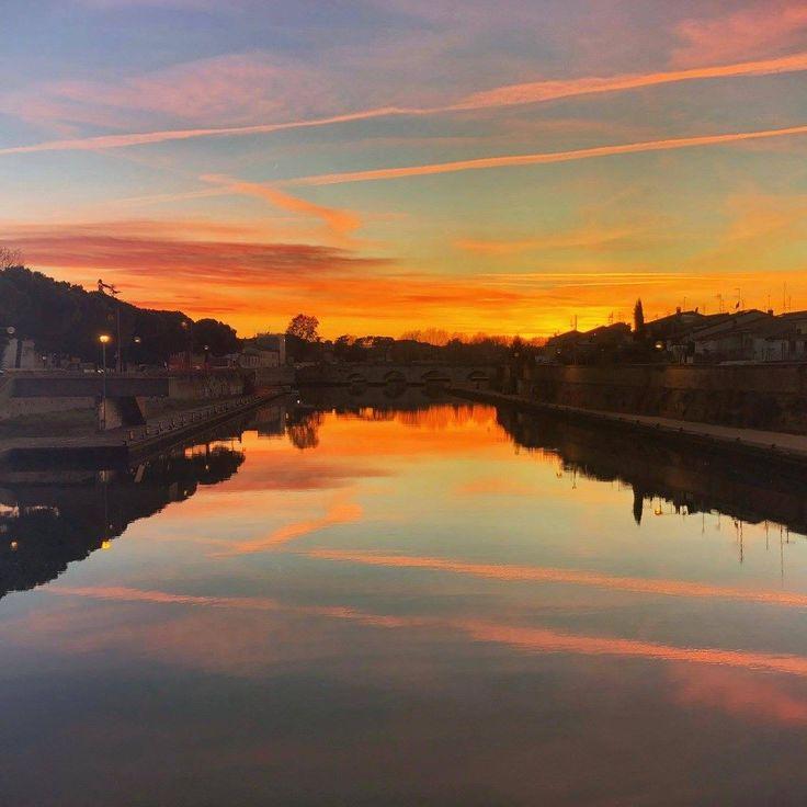 Sunset in Rimini. #tramonto #romagna #rimini #ponteditiberio #novembre #italy #igerrimini #instagram #bancacarim