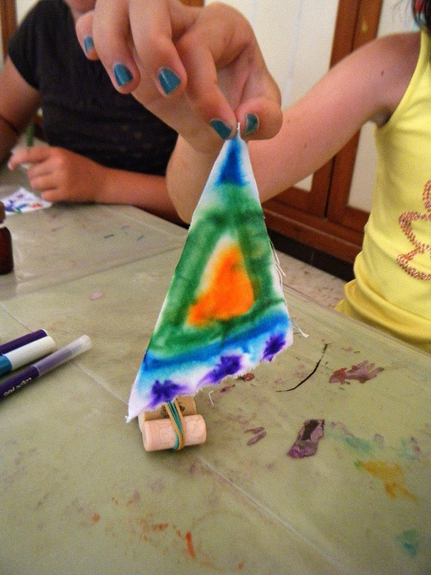 Neusa Lopez' Flickr photo stream: lots of kid crafts!