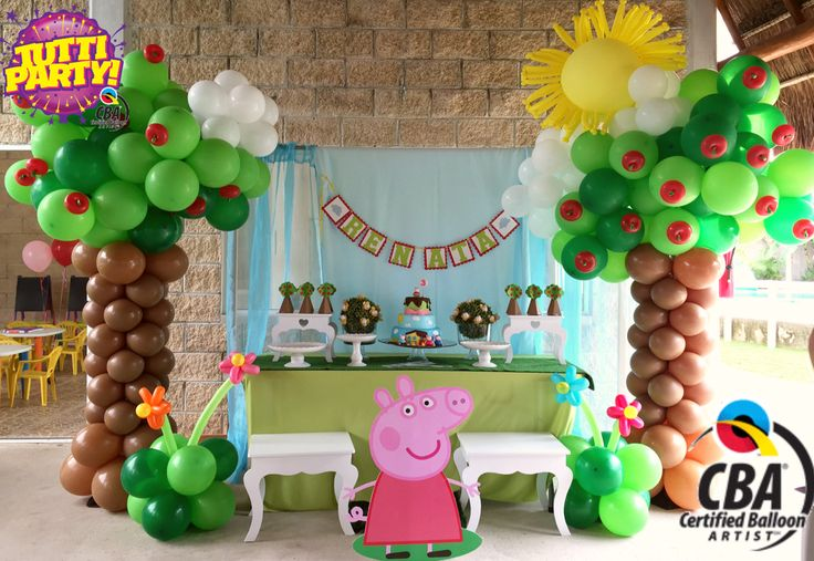 Peppa Pig Party decorations, Peppa Pig Party ideas, Peppa Pig balloons decorations, @tuttiparty CBA Qualatex, ventas@tuttiparty.mx www.tuttiparty.mx, Peppa Pig great decorations, Apple tree balloons ideas