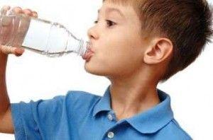 Derajat dehidrasi merupakan pemeriksaan terpenting dalam penanganan diare ( Gastroenteritis ). Derajat dehidrasi metode pierce dan daldiyono skor klinis