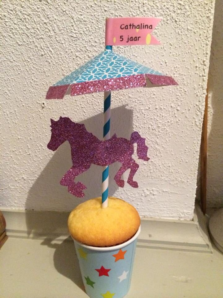 Traktatie paard  cupcake circus