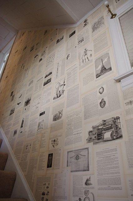 De vieja enciclopedia a papel de pared