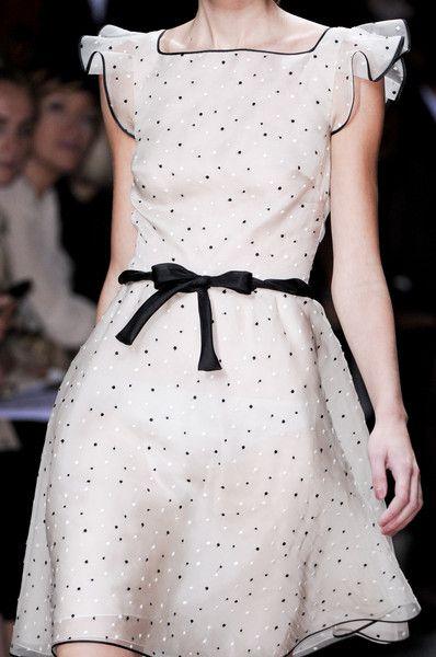 Vestido Pontos Pretos & Brancos de Valentino -  /  Dress Valentino Black & White Dots -