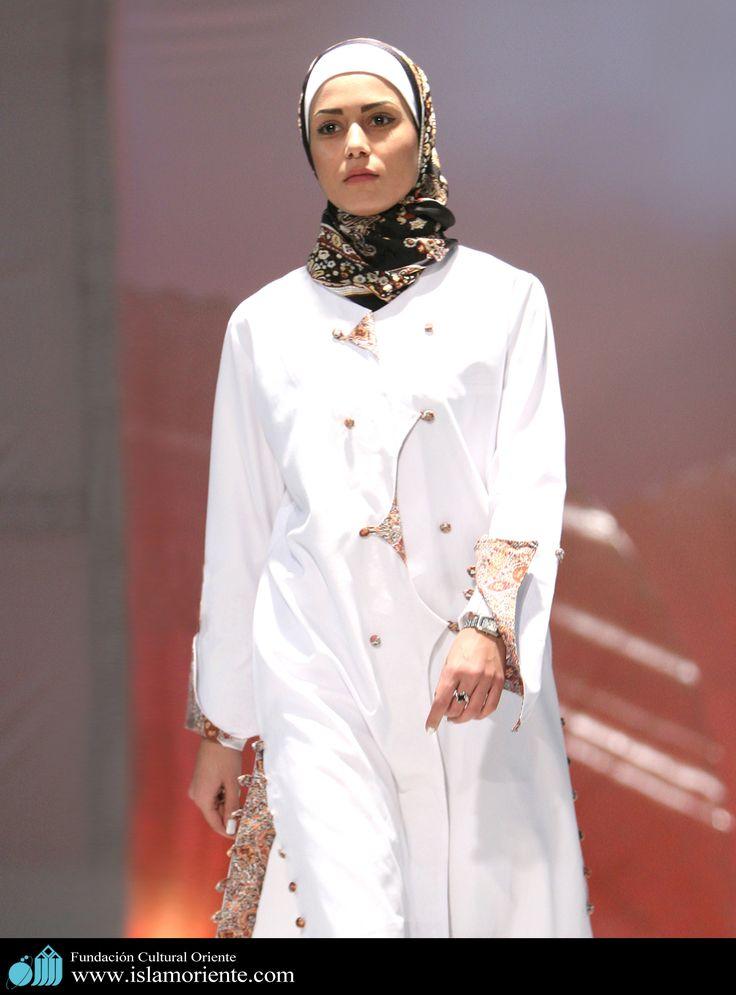 Mujer musulmana y desfile de moda - 9 | Galería de Arte Islámico y Fotografía