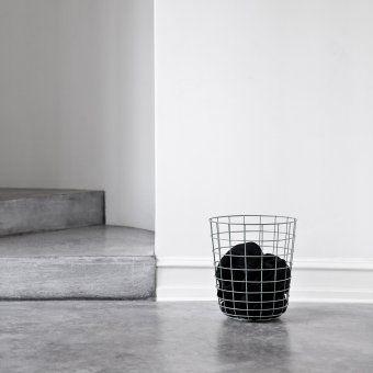 Kosz druciany Chrome - MENU - DECO Salon. #basket #scandinaviandesign #forhome #homeaccessories