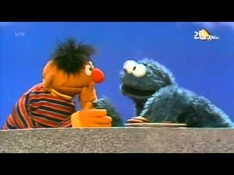 Ernie & Koekiemonster - Langzaam & Snel Eten.avi