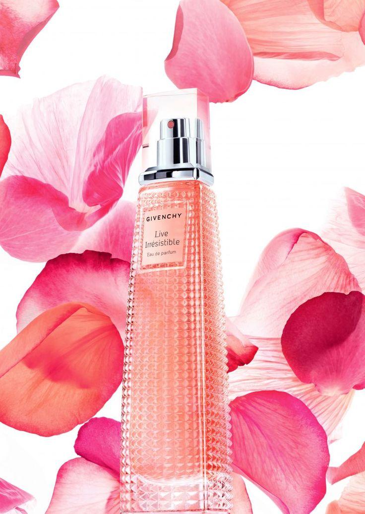 """#Beauté: #Givenchy présente """"Live Irrésistible"""", sa dernière fragrance chic et pétillante."""