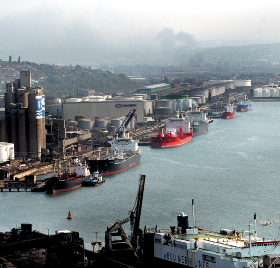Port of Durban, Bluff and Fynnlands in background