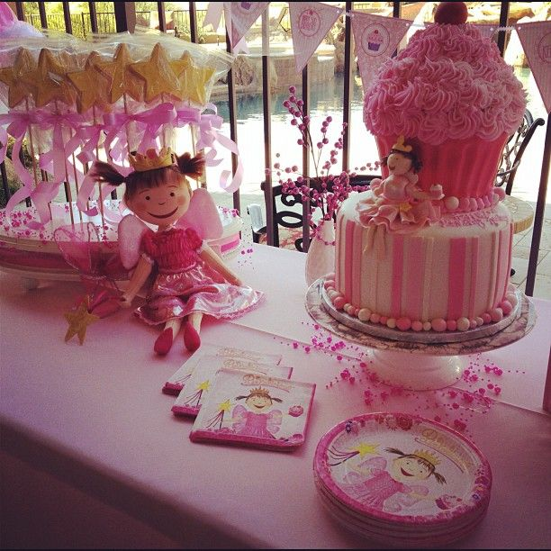 Pinkalicious Cake Images : 17 Best images about PINK-A-LICIOUS on Pinterest ...