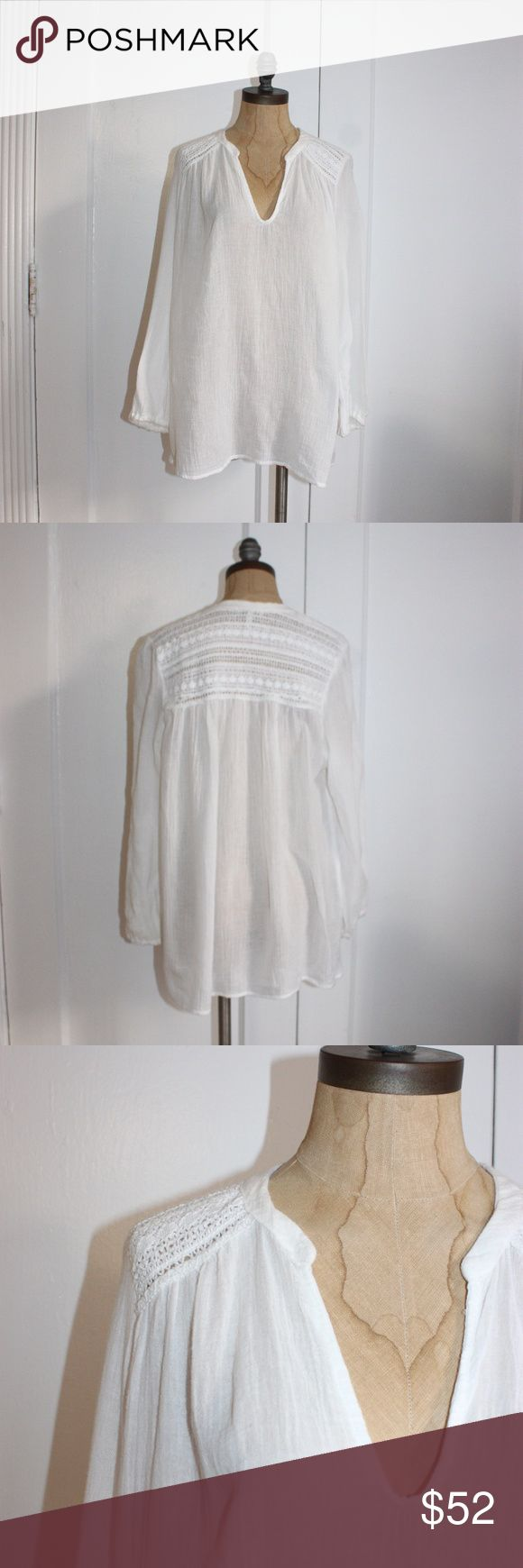 JOIE LONG SLEEVE PEASANT BLOUSE JOIE LONG SLEEVE PEASANT BLOUSE IN EXCELLENT CONDITIONS SEMI SHEER LIGHT COTTON SMALL RELAXED FIT PIT TO PIT 19'' LENGTH 26'' 100%COTTON TP-602 Joie Tops Blouses