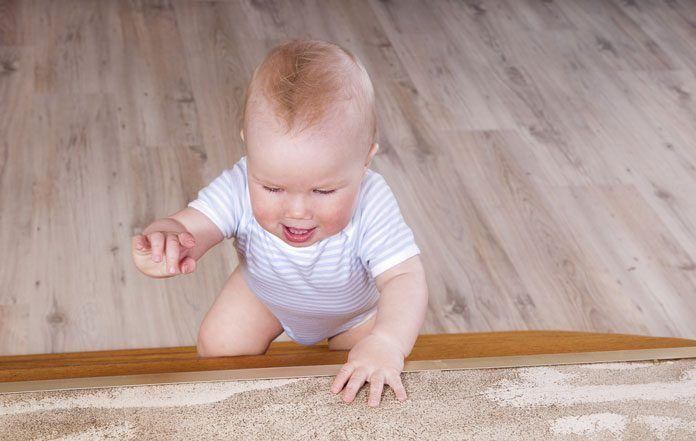 Wohnung kindersicher machen: So beugst du Unfällen vor