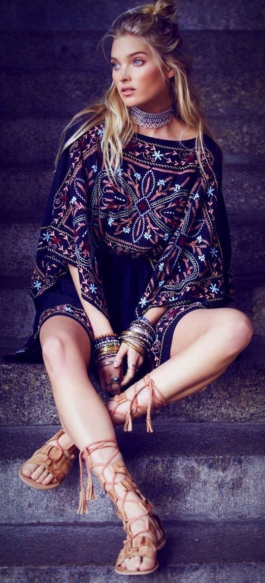 30 + Stylish Dresses for 2017 featured on Pasaboho. Fashion trend and styles from hippie chic, modern vintage, gypsy style, boho chic, hmong ethnic, street style, geometric and floral outfits. We Love boho style and embroidery stitches. Hippie girls with free spirit sharing woman outfit ideas and bohemian clothes, cute dresses and skirts.