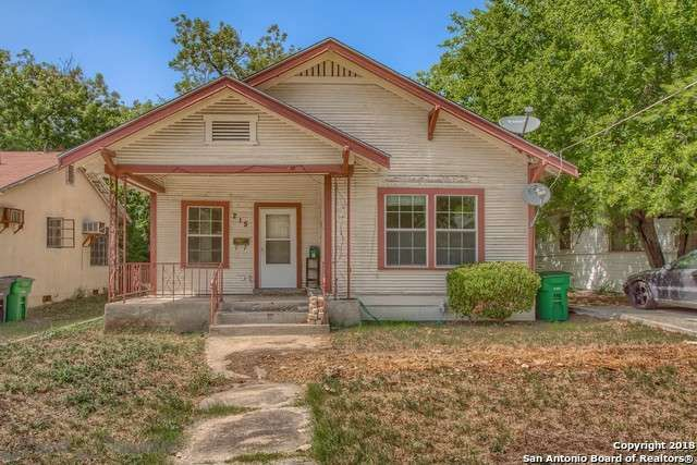 Single Family Detached San Antonio Tx Nice Starter Home Or Great Investment Property 2 Bedroom 1 Bath Home In Great Sale House Land For Sale Renting A House
