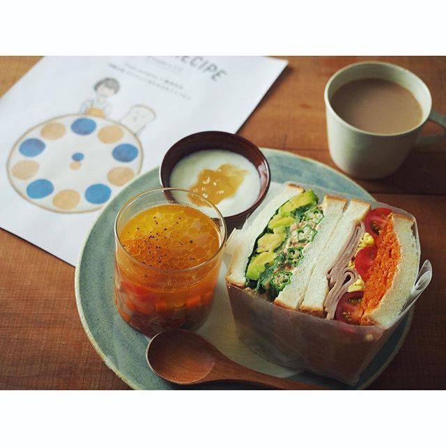 fujifab12 on Instagram pinned by myThings 本日作成したサンドイッチとスープ。  1枚だけ自分でも撮らせてもらいました! …だがしかし。 暗いーーーーーー  #タベソダ でプロの技と見比べてください(自虐か  6月の最終週で載せていただく予定です!  #パルシルテム やってる皆様も そうでない皆様も  この機会にレッツタベソダ!!! ぜひパルシルテムさんの美味しい商品でサンドイッチ作ってくださーい☺️❤️ …密かに#Vadaレシピ アピール❤️笑  皆様、お願いします。いろいろ文言省きすぎな  #food#foodpic#feedfeed#管理栄養士#dietitian#ヘルシー#healthy#パン#パン大好き#パンキチ#bread##サンドイッチ#sandwich#パニーニ#panini#パルシステム#タベソダ#palsystem#断面フェチ#萌え断
