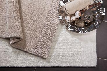 Echt Bio - und flauschig noch dazu! Unsere Badteppiche aus 100% Baumwolle mit Anti-Rutsch-Beschichtung