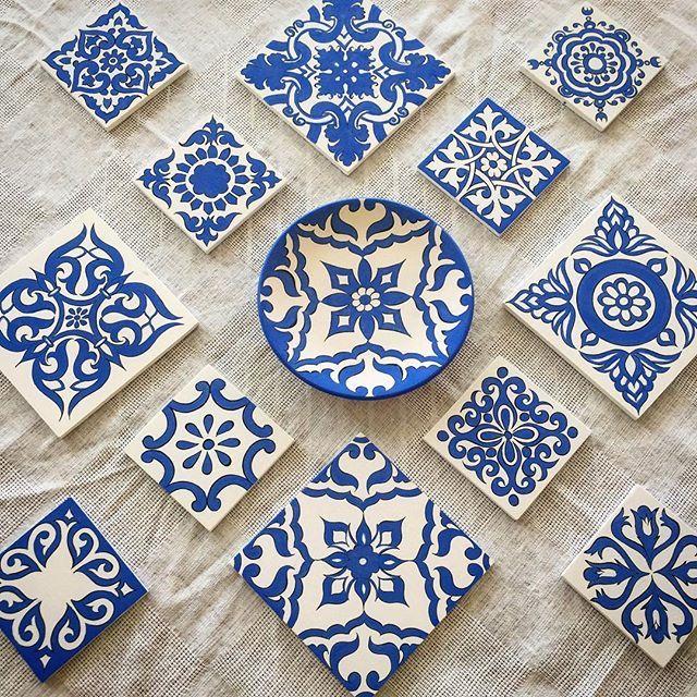 Mavişim mavişelim💙😉 sırlanıp fırına girmeye hazır benim mavişler🙋✏️🎨 #mydrawing #handcrafted #artistic #ceramics #vintagestyle #cobalt #diyproject #etnik #elemeği