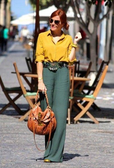 приглушенно-зеленые брюки в летнем образе на каждый день