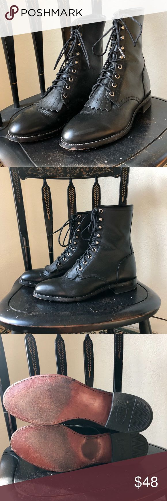 Lace up western Justin black leather roper boot So sleek black leather lace up vintage Justin roper boots in men's 8.5, women's 10.5 please message with any questions! Justin Boots Shoes Lace Up Boots