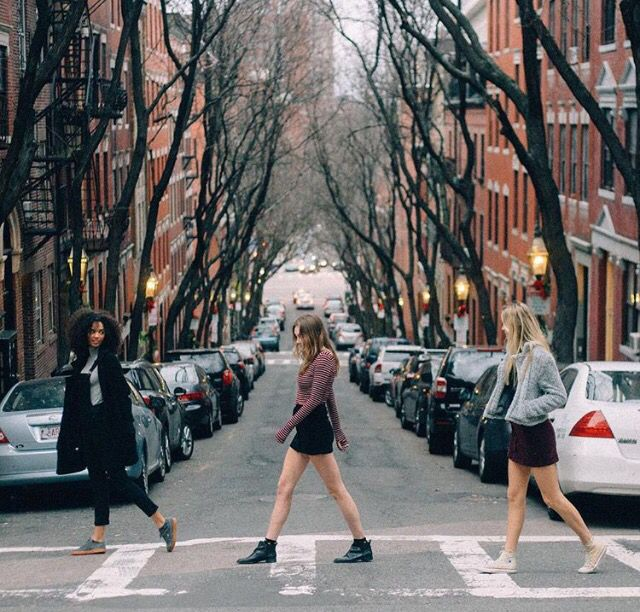 Photoshoot/ aesthetic ideas... Reminds me of the Beatles album cover (from brandy Melville)