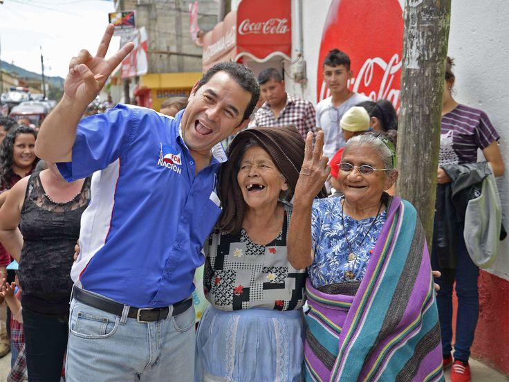 Jimmy Morales, presidente de Guatemala, solía ser comediante en un programa de televisión antes de convertirse en presidente.