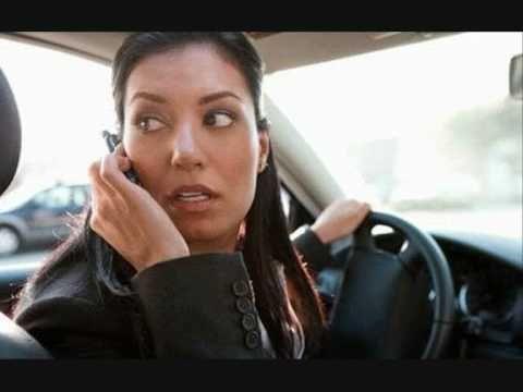 Οδήγηση ή Τηλέφωνο; Πρέπει να επιλέξεις...!