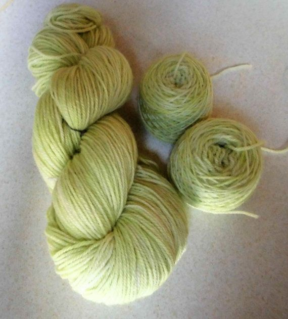 Light Lime Handdyed Corriedale Wool DK Weight Yarn, 3-ply, For Knitting, Crochet and Felting, Yellow Green Hand Dyed Wool Yarn, EU SELLER