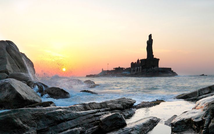 The most romantic places in IndIa.KANYAKUMARI
