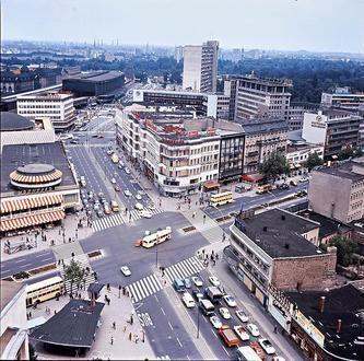 Berlin: Vom Allianzhochhaus auf Kurfürstendamm, Ecke  Joachimstaler Straße 1965