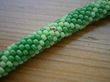 Szczegół zielonej bransoletki z koralików toho. Enjoy! Detail of green bransolet. Waiting for spring!