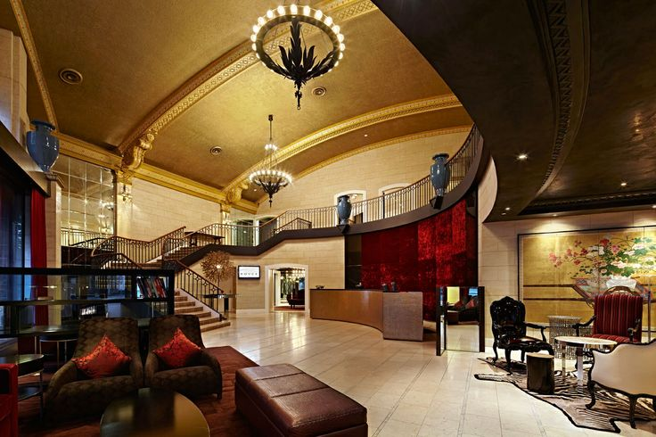Welcome to the Royce Hotel