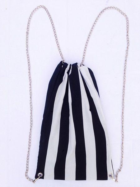 """Zainetto """"Black&White"""" a Righe con Catena  di Denny HandMade su DaWanda.com #zainetto #bianco&nero #black&white #righe #stripes #chain #catena #dennyhandmade #backpack #fashion #style #fauxleather #ecopelle #glamour #rock #casual @dawandaIT"""