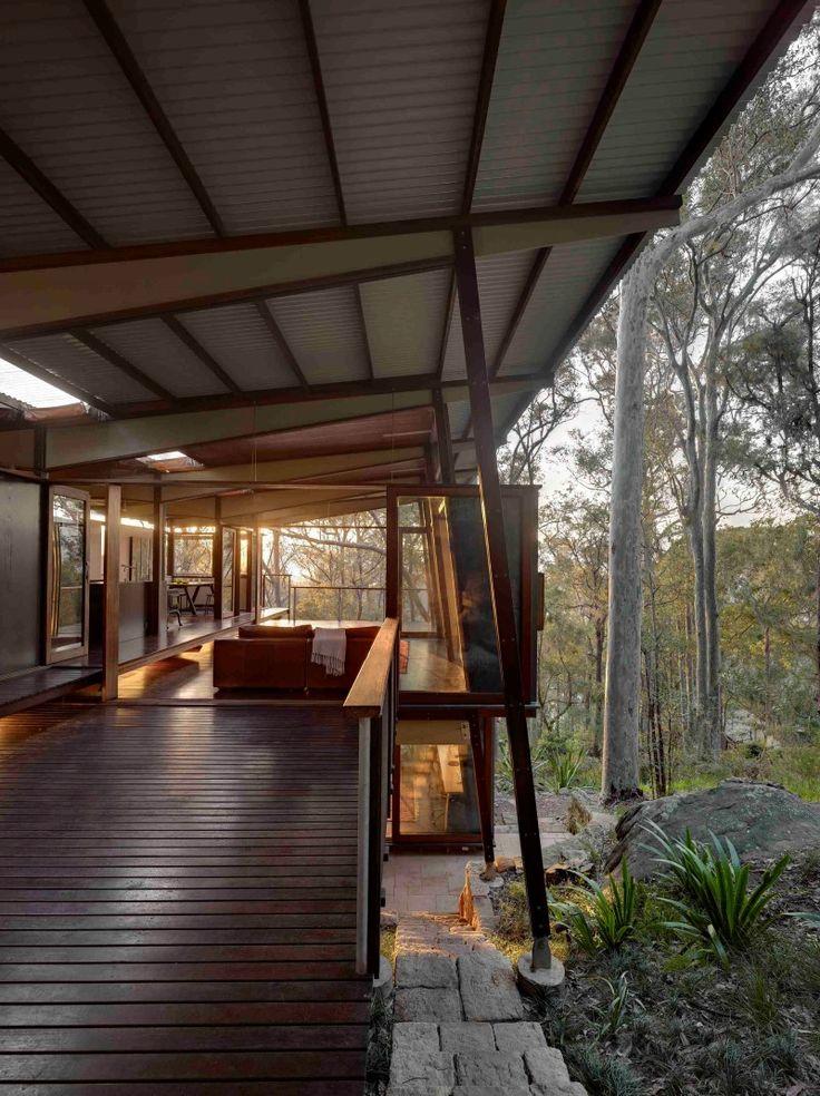 Island House - prefabricated modular house on a steep site (9)